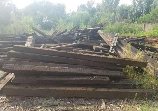 出售铁路旧枕木